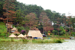 Da Lat - The Langbiang Mountain - Lat Minority Village - Elephant Waterfall 1 Day Tour