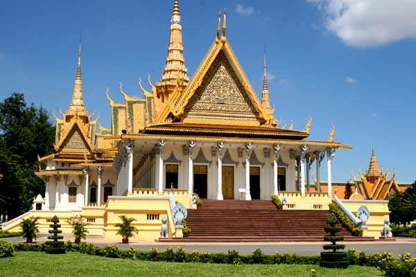 Cambodia cycling tour combine with homestay 7 days