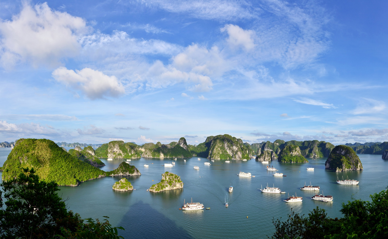 Ha Noi - Hoa Lu - Tam Coc - Ninh Binh - Trang An - Bai Dinh Pagoda - Ninh Binh - Ha Long Bay - Monkey Island Resort Bungalow - Ha Long Bay - Ha Noi 5 Days - 4 Nights