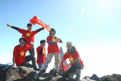 FANSIPAN CLIMBING - SAPA TREKKING 4 DAYS - 5 NIGHTS BY SLEEPING TRAIN