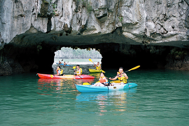 HA LONG BAY 1 DAY DELUXE TOUR 5