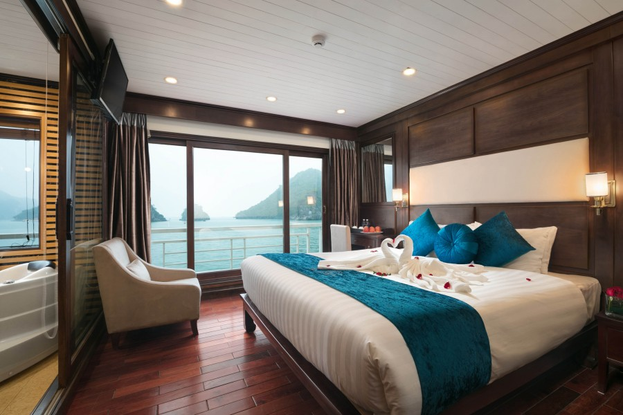 HA LONG BAY 2 DAYS - 1 NIGHT SLEEP ON THE 5 STAR BOAT 1