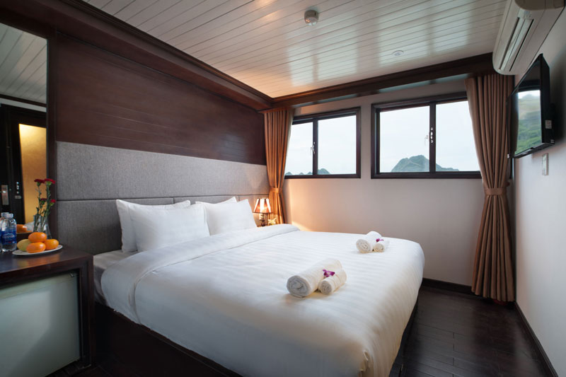 HA LONG BAY 2 DAYS - 1 NIGHT SLEEP ON THE BOAT 9