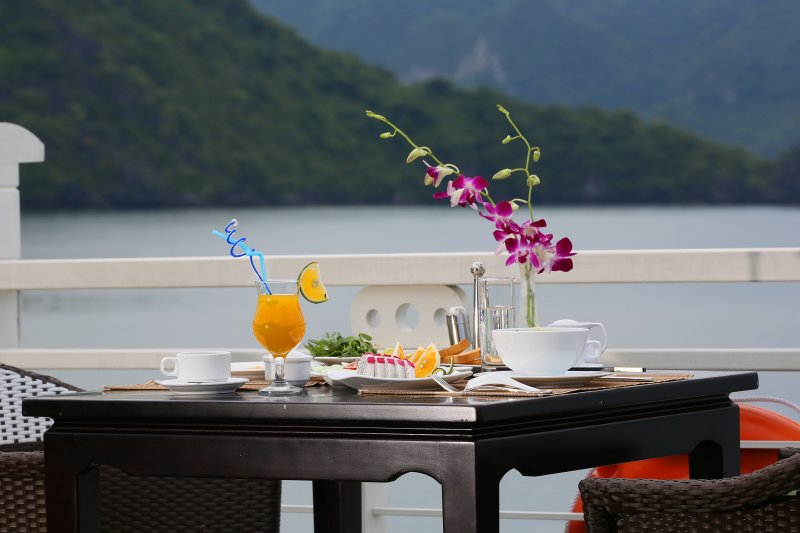 LUXURY  BAI TU LONG BAY  2 DAYS - 1 NIGHT TOUR SLEEP ON 5 STAR CRUISE 13