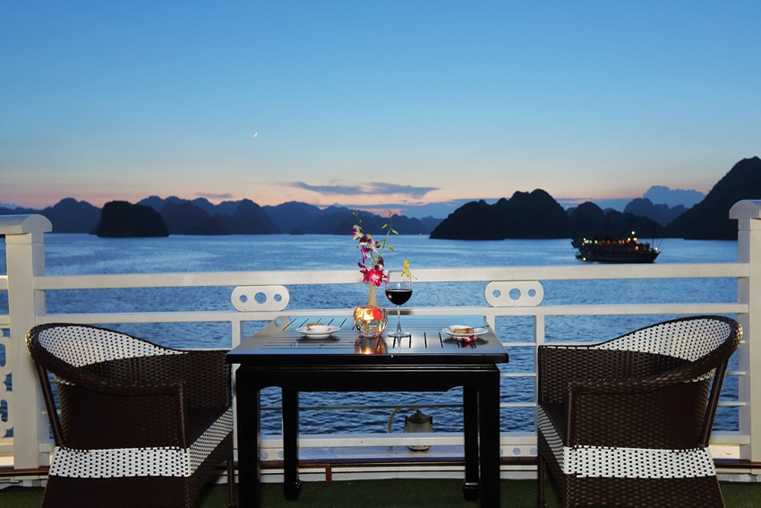 LUXURY  BAI TU LONG BAY  2 DAYS - 1 NIGHT TOUR SLEEP ON 5 STAR CRUISE 15