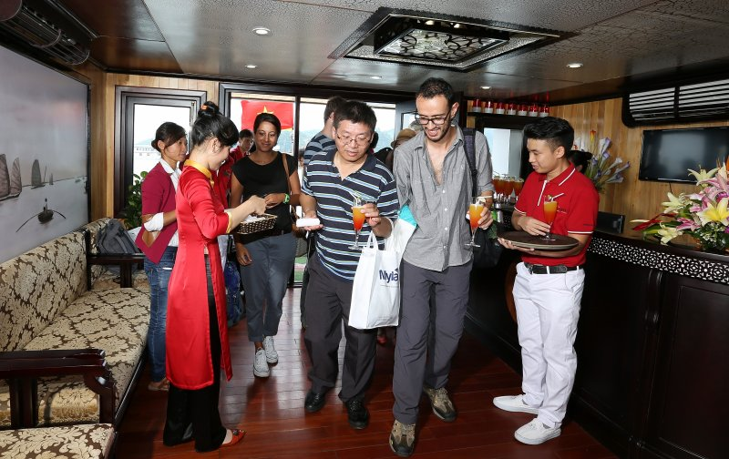 LUXURY  BAI TU LONG BAY  2 DAYS - 1 NIGHT TOUR SLEEP ON 5 STAR CRUISE 17