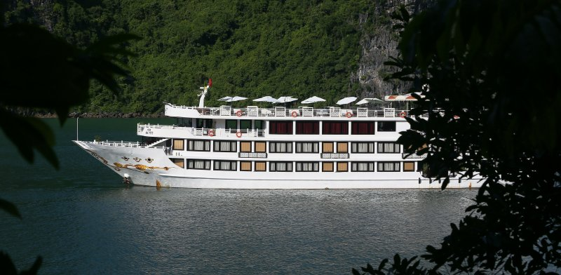LUXURY  BAI TU LONG BAY  2 DAYS - 1 NIGHT TOUR SLEEP ON 5 STAR CRUISE 4