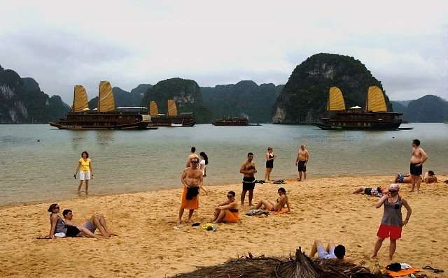 LUXURY HA LONG BAY 1 DAY TOUR 1