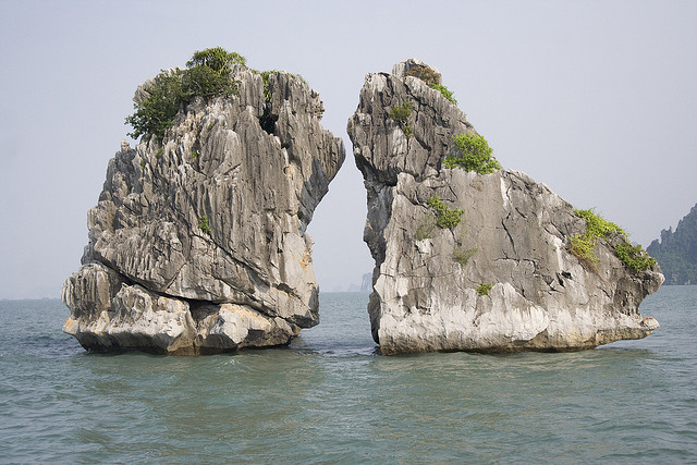 LUXURY HA LONG BAY 1 DAY TOUR 11